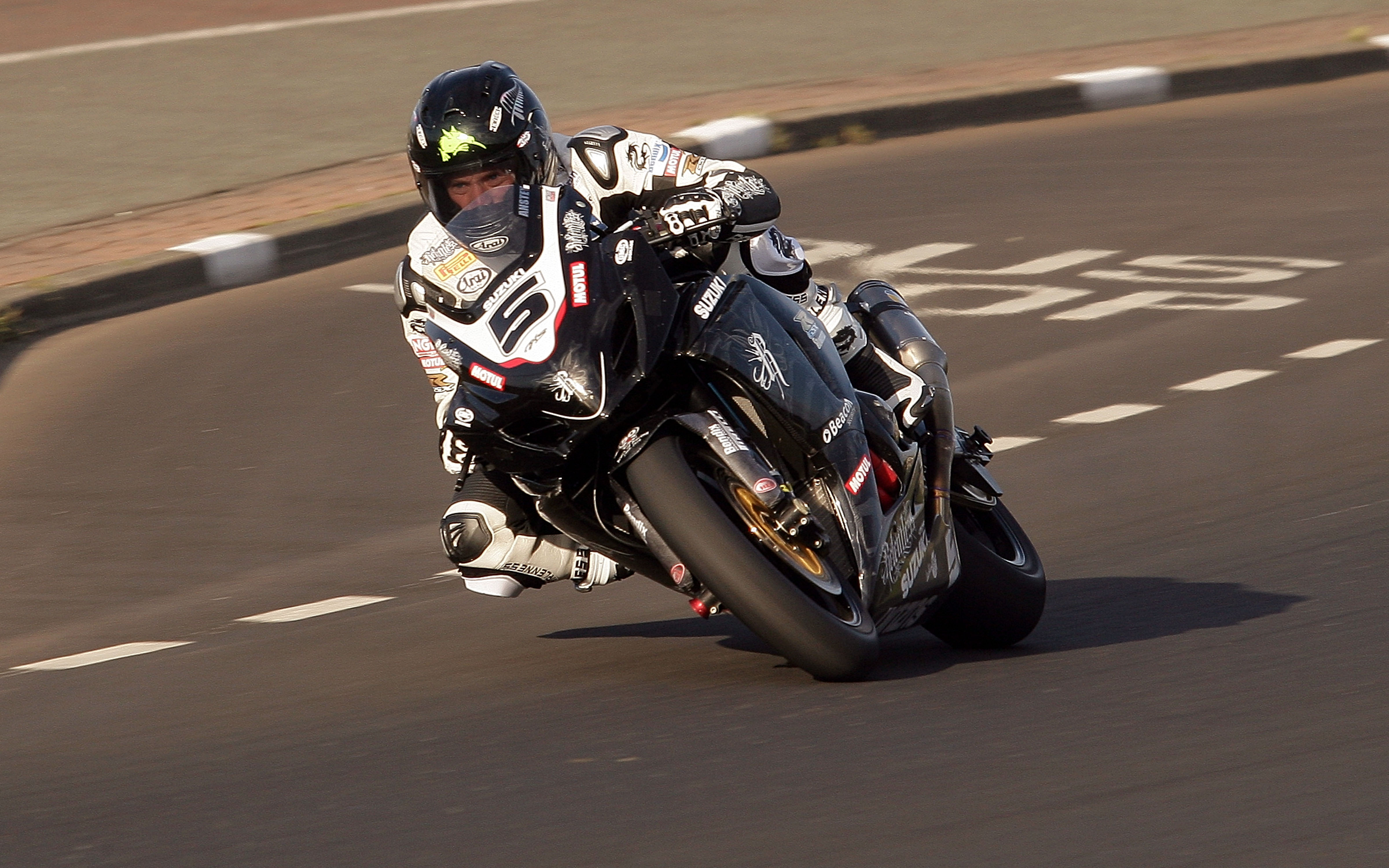 Northwest 200 road race . racer Bruce anstey