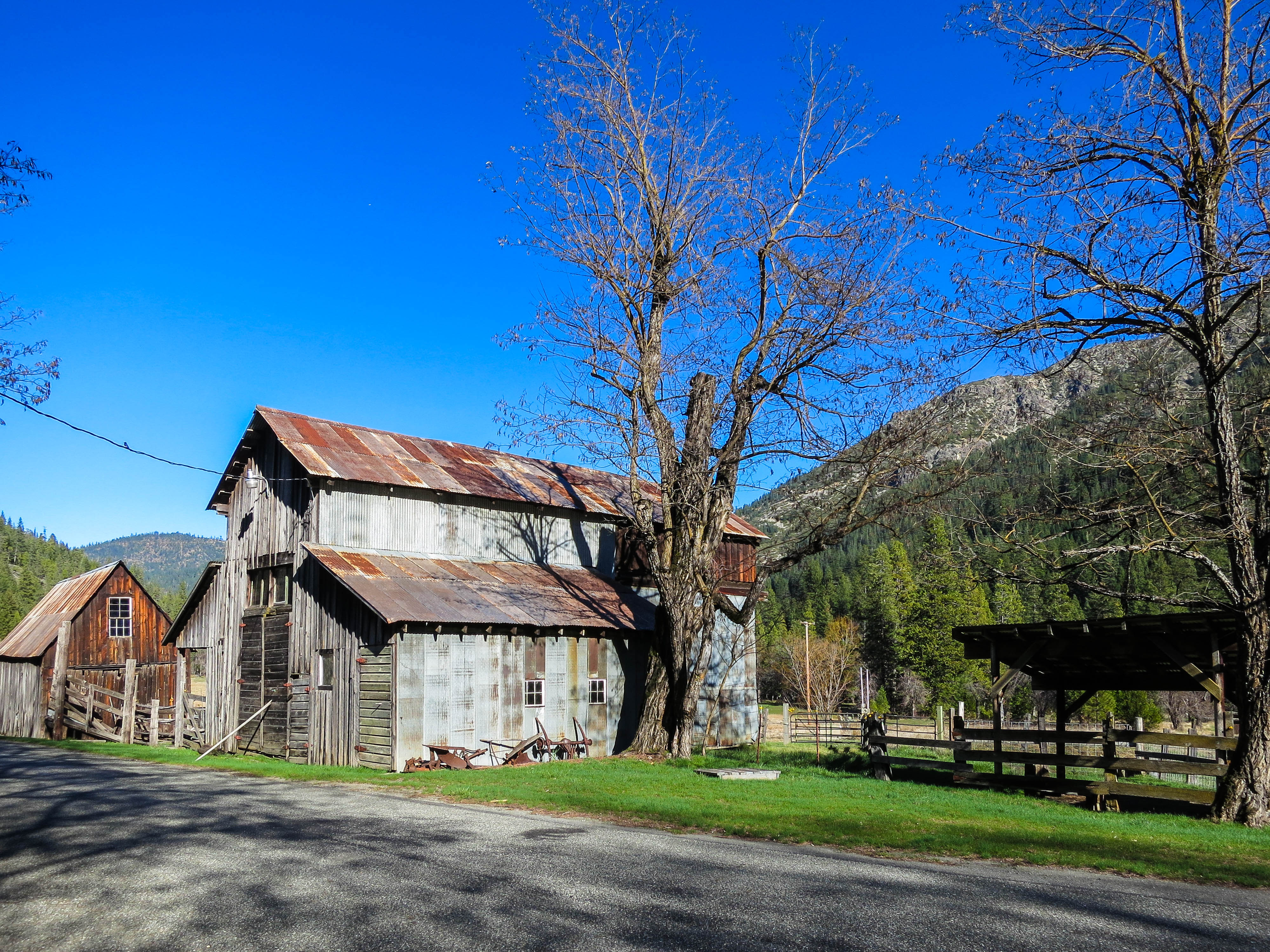 Trinity Mountain Old Barn.jpg
