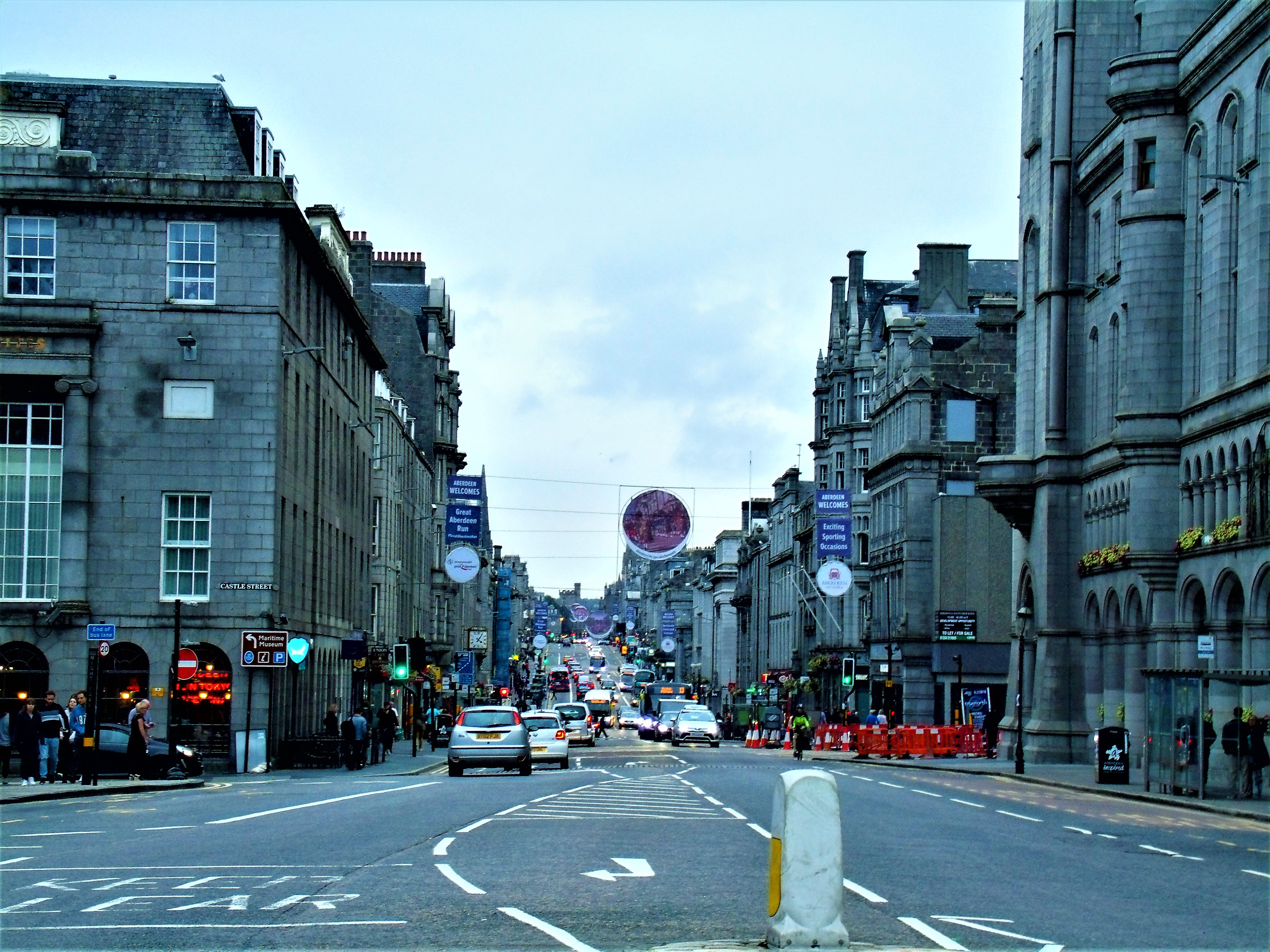 the small citycentre of aberdeen
