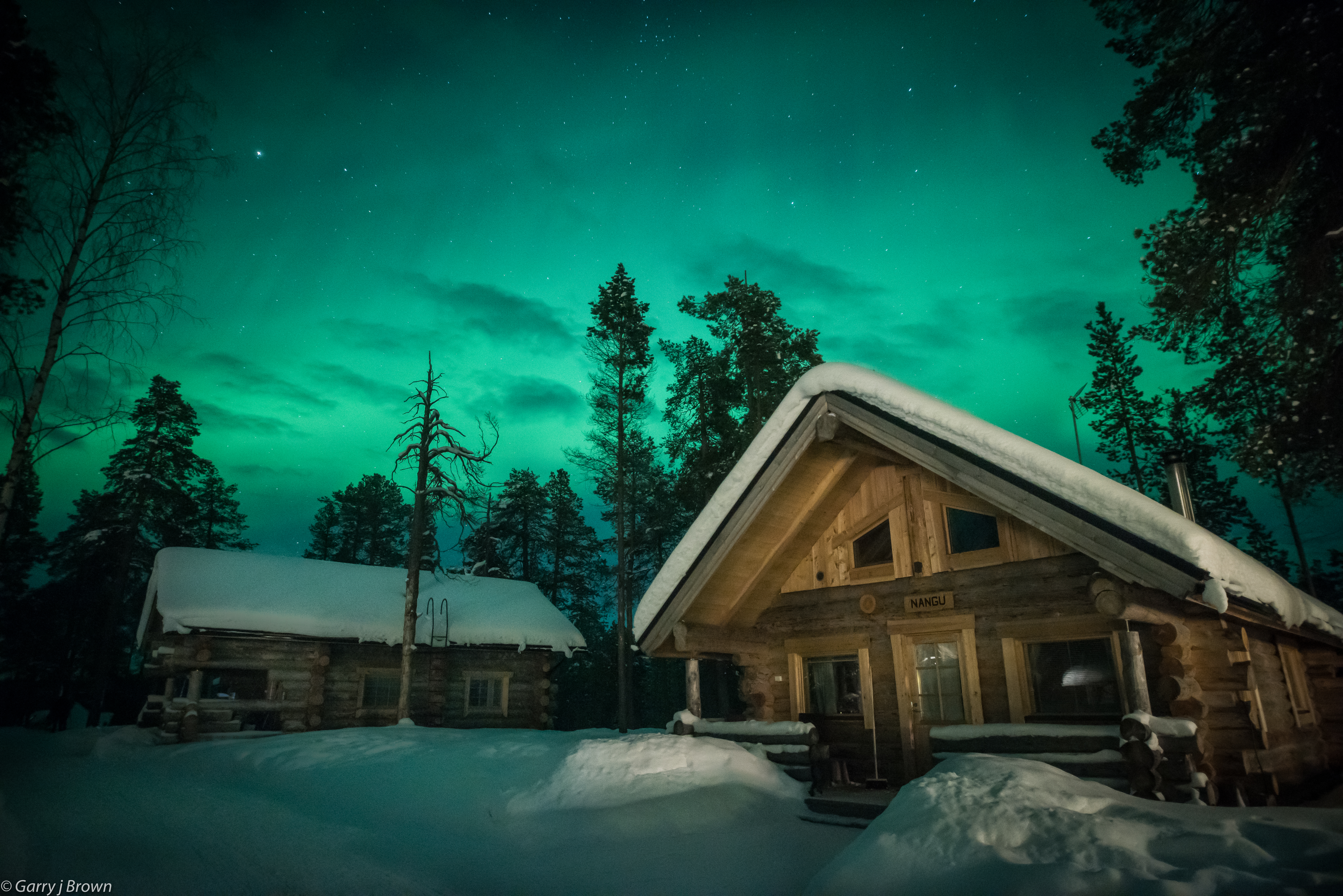 Log cabins and aurora