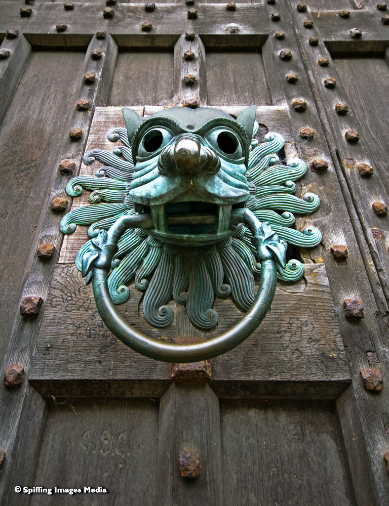 Brougham Knocker