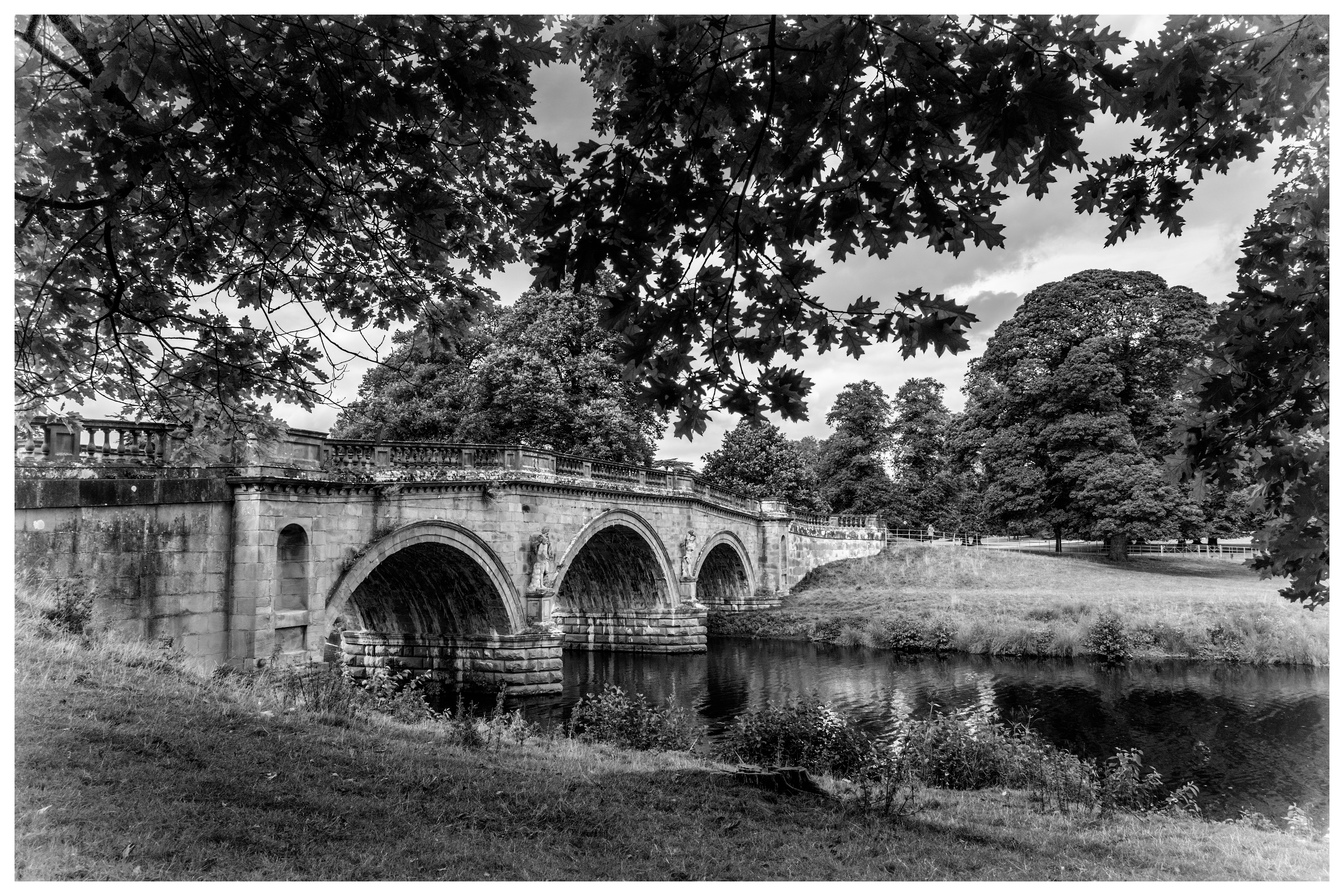 Chatsworth House Grounds Black-White (1 of 2).jpg