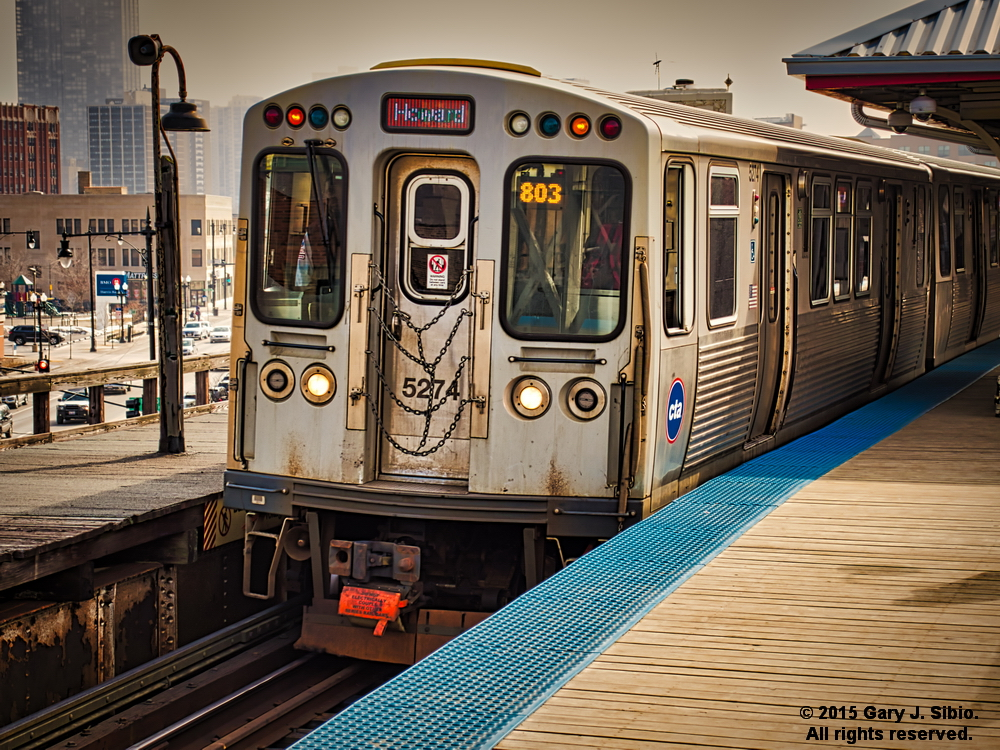 Northbound Red Line L Train at the Old Wilson Avenue Station, Chicago, Illinois (2015-03-10 13-36-00a)