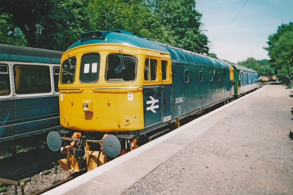 33063 @ Sheperdsell east keny Rly 21jun03 - Mike McDermot.jpg