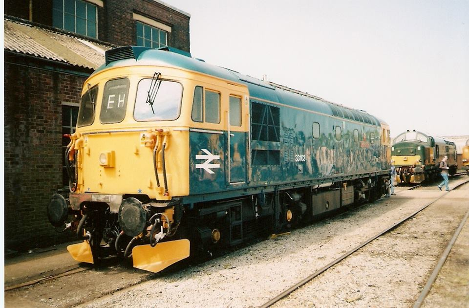 33103 @ Eastleigh Works open day may09 - Mike McDermot.jpg