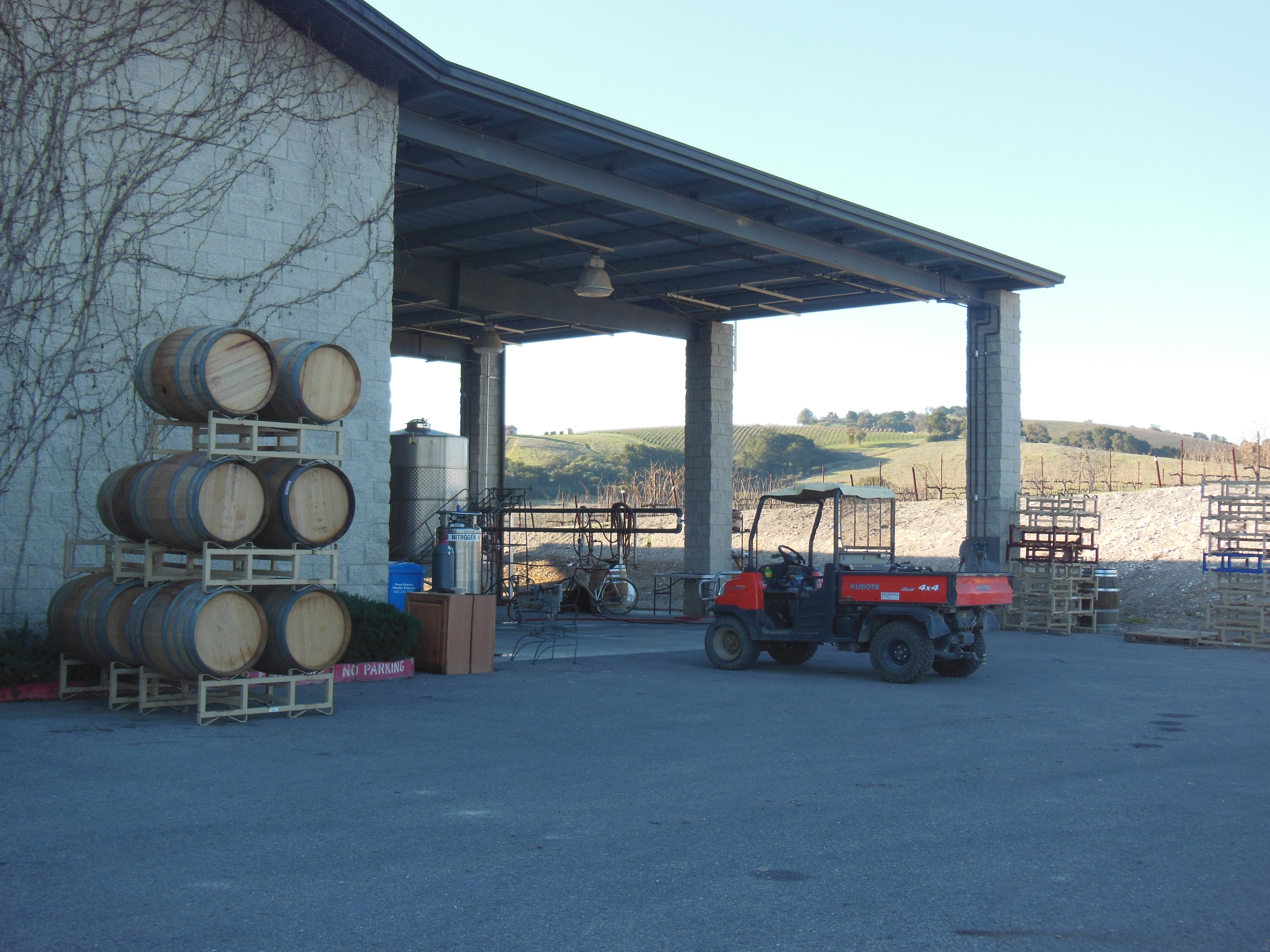 Back of Calcaras Winery in Paso Robles