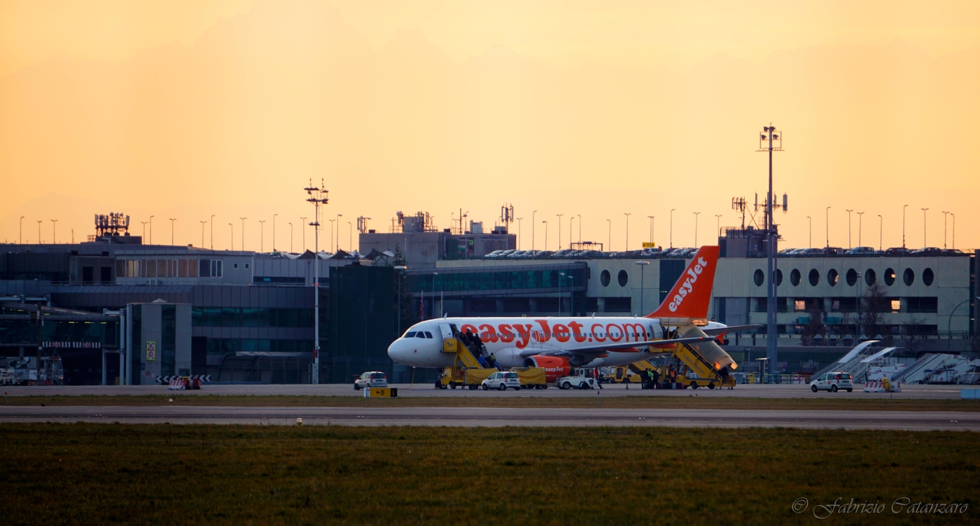 easyJet Airbus A319 at Turin airport (Italy)