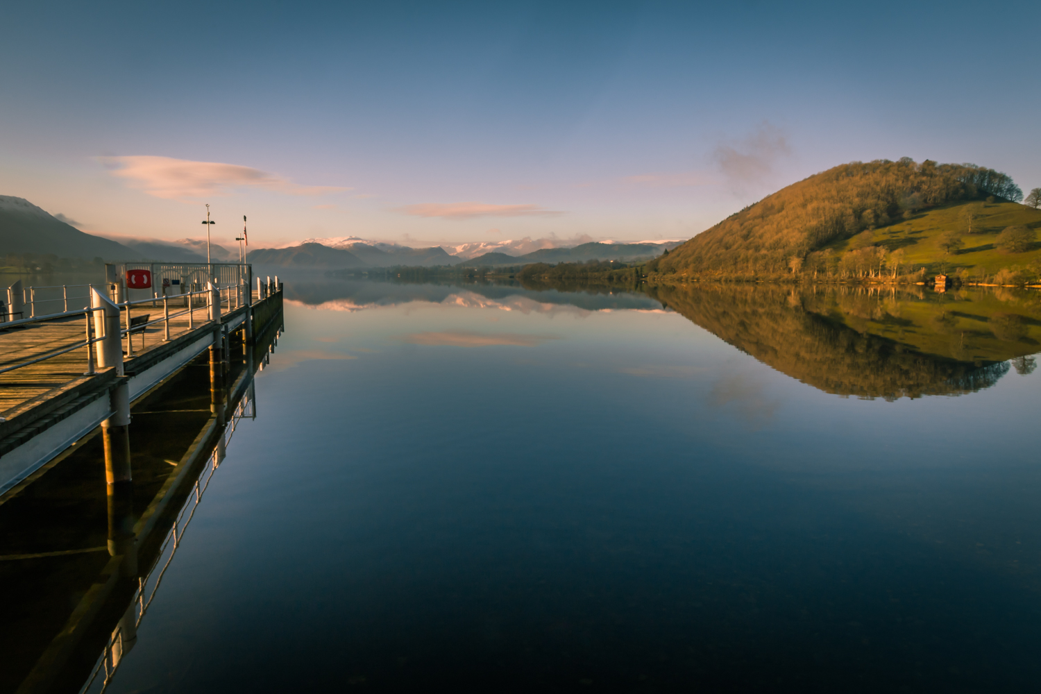 The English Lake District- Ullswater from the Pooley Bridge end.jpg
